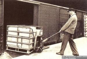 1955 Boxpalette Verladung Foto DB-1024